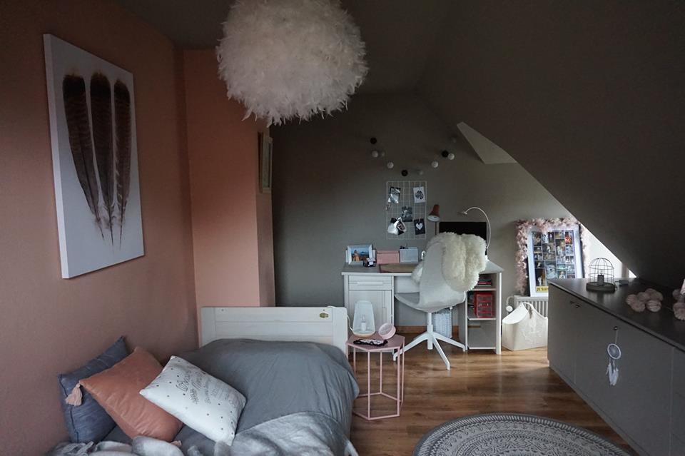 Aménagement décoratif d\'une chambre pour une jeune fille de ...